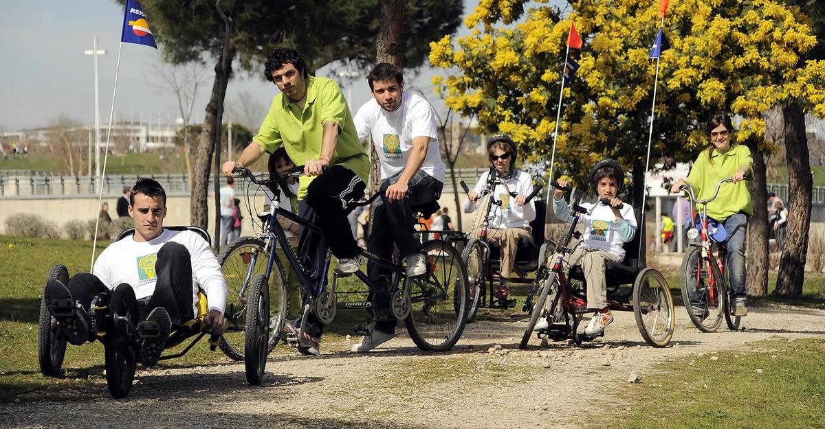La Escuela de Ciclismo adaptado de la Fundación También vuelve a la actividad tras la cuarentena.