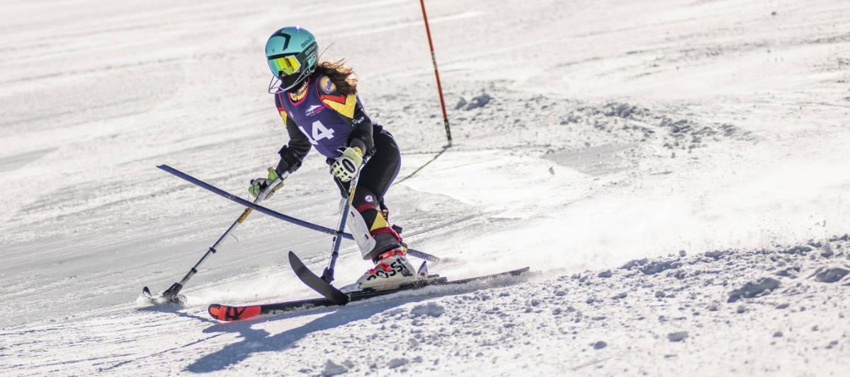 Prueba mujer pie Campeonato de España de Esquí Alpino Adaptado y Snowboard marzo 2021 en Sierra Nevada