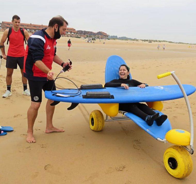 Curso de surf adaptado en Somo septiembre 2021